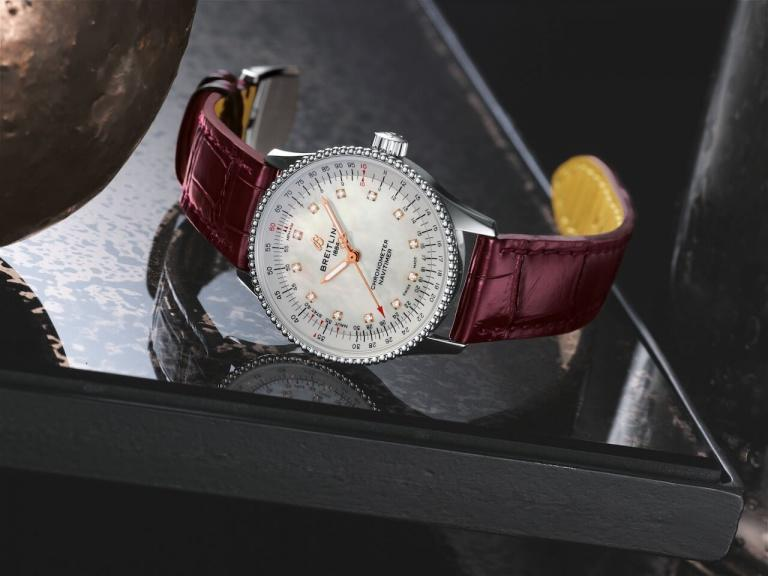 BREITLING NAVITIMER AUTOMATIC 35 35mm A17395211A1P1 White