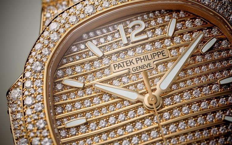 PATEK PHILIPPE NAUTILUS 7118/1450R 35.2mm 7118/1450R-001 Autres