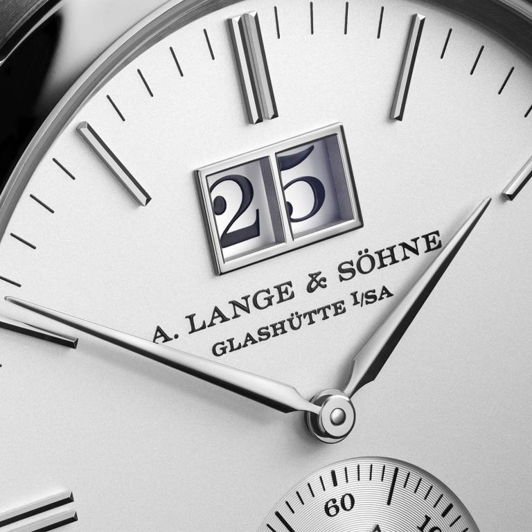 A. LANGE & SOHNE SAXONIA GRANDE DATE 38.5mm 381.026 Argenté