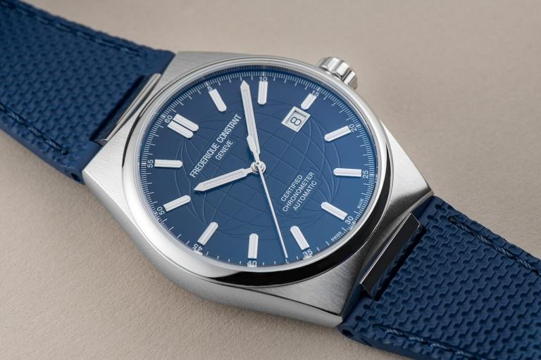 FREDERIQUE CONSTANT HIGHLIFE AUTOMATIC COSC 41mm FC-303N4NH6B Blue